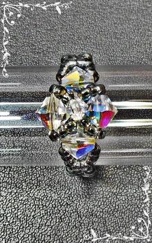 funkelnder Ring aus Swarovski Glasschliffperlen