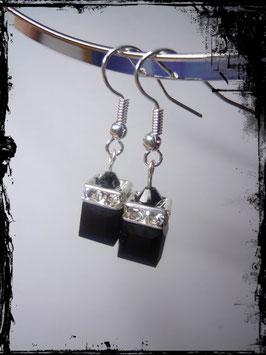 Ohrhänger aus Swarovski® Würfeln