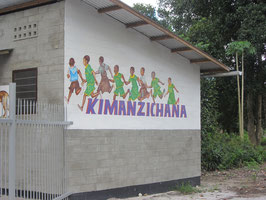 2013 4 Klassenzimmer für Primarschule in Kimanzichana