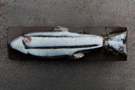 06-1.2 Kleiner Steinfisch, Eisblaue Glasur