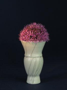 09 Kleine Vase, Bauchige Form mit Craquelé-Glasur