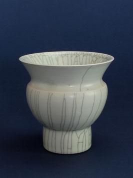 11 Vase, Bauchige Form mit Craquelé-Glasur