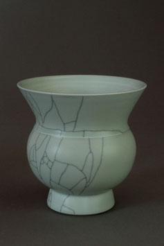 03 Vase, Bauchige Form mit Craquelé-Glasur