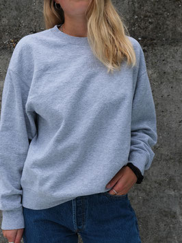 embroidered fyt sweater grey