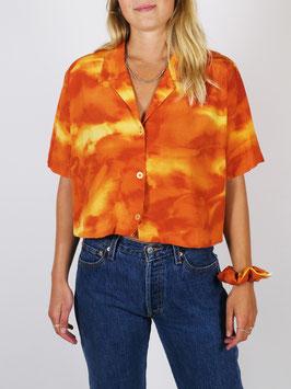 cropped shirt and scrunchie orange