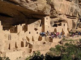 インディアンのふるさと・ユネスコ世界遺産の「メサベルデ」と「チャコ文化国立歴史公園」に「キャニオンデュシェ」と「化石の森国立公園」を訪ねる3日間<A/Bコース>