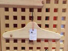 Kleiderbügel aus Arvenholz