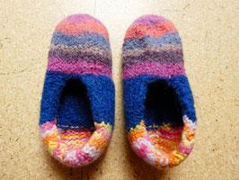 Filz-Hausschuhe / Pantoffeln für Kinder Gr. 33/34 bunt gestreift