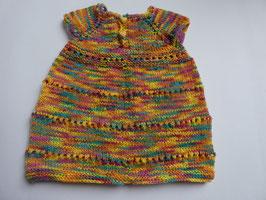 Süßes Baby-Kleidchen aus weicher, bunter Acryl-Wolle Gr. 60/68 mit stoffbezogenen Herzknöpfen