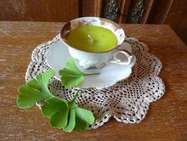 GREEN TEA - weiße Sammeltasse mit feinem Golddekor - KS16
