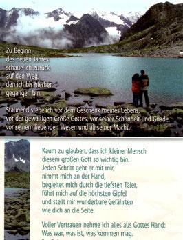 Postkarte vor Bergen stehend - zu Beginn
