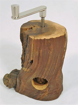 die urchige Muskatmühle aus Rebenholz EE