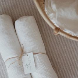 Bettschlange in weiß aus Musselin