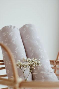 Bettschlange in grau lila mit Blumen