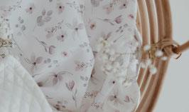 Babydecke mit Blumen in Pastell