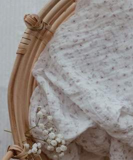 Bio Musselin Tuch mit kleinen Blumen