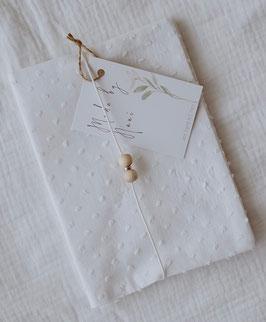 Uhefthülle oder Mutterpasshülle in weiß