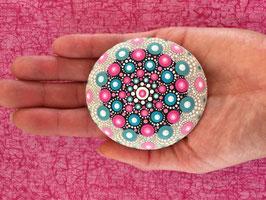 Mandala-Stein rosa-hellblau