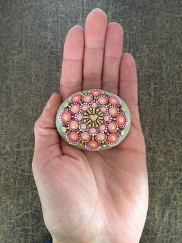 Mandala-Stein strahlendes Korallen-Herz