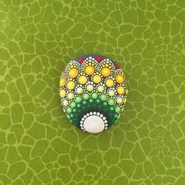 Mandala-Stein grüne Blume (oval)