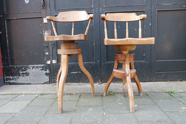 Oude atelier stoelen  |  18.744.M 18.745.M