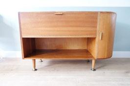 Vintage dressoir met ronde kant     18.833.M
