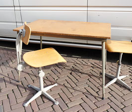 Vintage tafel  |  18.727.M