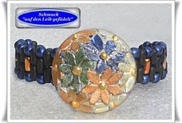 26) blau-schwarzes Armband mit Glas-Zierknopf