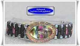 40) Armband mit schillerndem Glas-Zierknopf