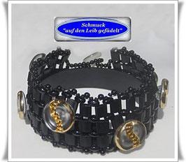 81) interessantes Glasperlen-Armband mit Glas-Knöpfen