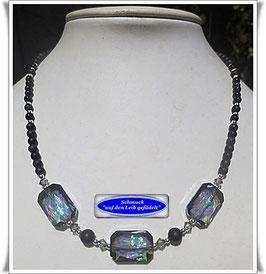 1661. zierliche Onyx-Kette mit wunderschönen Swarovski-Perlen