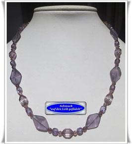 1488. violettfarbene Glasperlenkette