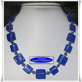 1483. royalblaue Glasperlenkette
