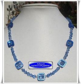 1344. blaue Solaris-Quadrate-Swarovski-Kette