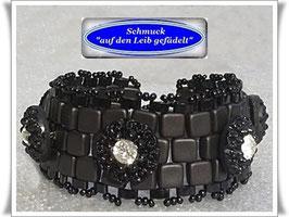 55) schwarzes Armband mit edlen Strassknöpfen