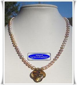 1358. echte Perlenkette mit Cherry-Quarz-Anhänger