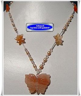 142. Perlenkette mit Schmetterling