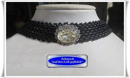 5) Halskette mit elegantem Strass-Knopf