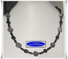 1524. Onyx-Kette mit Muranoglas-Perlen