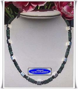 1032. edles Smaragd-Collier