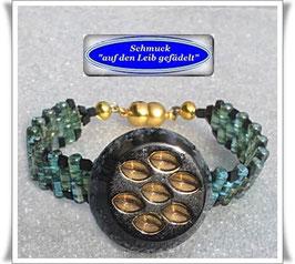 25) Armband mit Vintage-Glasknopf