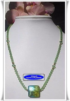 1312. Swarovski-Kette mit Muranoglas-Perle