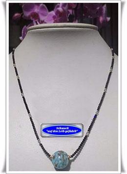 1055. Spinell-Kette mit Muranoglas-Perle