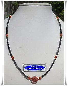 446. Spinell-Kette mit Muranoglas-Perle