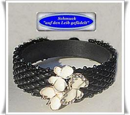 97) Armband mit Schmetterlings-Zierknopf