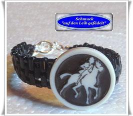 8) schwarze Armbänder mit altem Celluloid-Knopf
