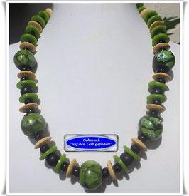 535. Krobo-Trade Beads-Kette
