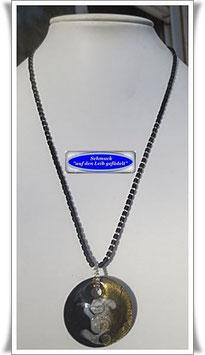 1371. schwarze Glasperlenkette mit Muranoglas-Anhänger