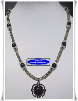769. Turmalin-Kette mit Onyx-Anhänger