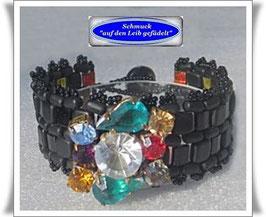 38) Armband mit edlem Schmuckknopf
